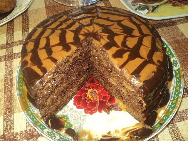 Шоколадный торт с варёной сгущёнкой рецепт