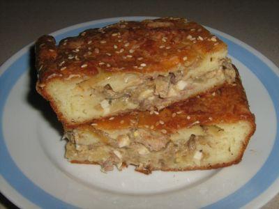 Пирог из жидкого теста с консервой с